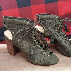 Jessica Simpson Tinnay Sandal Olive 7.5M